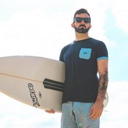 T-shirt desportiva divertida e solar